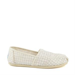 Toms Crochet lace